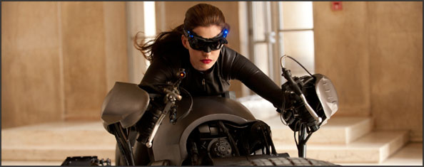 http://salondelmal.files.wordpress.com/2011/08/catwoman.jpg?w=594&h=235