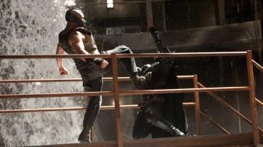 The Dark Knight Rises - Batman vs Bane (21)
