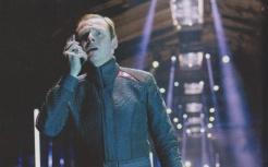 Star Trek En La Oscuridad - (10)