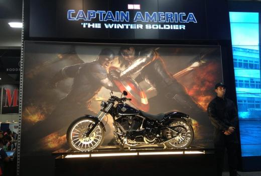 captain-america-motorcycle-comic-con-winter-soldier