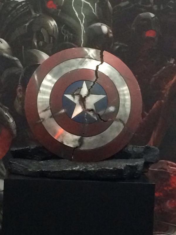 Comic Con 2014 El destruido escudo del Capitn Amrica