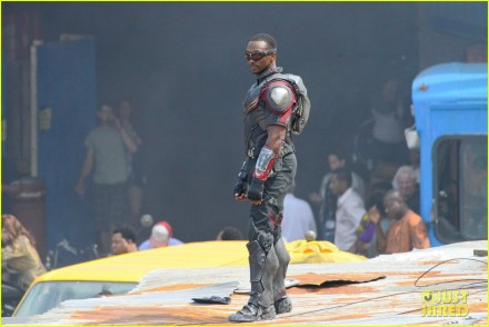 captain-americas-new-weapon-is-a-enter-our-poll-39